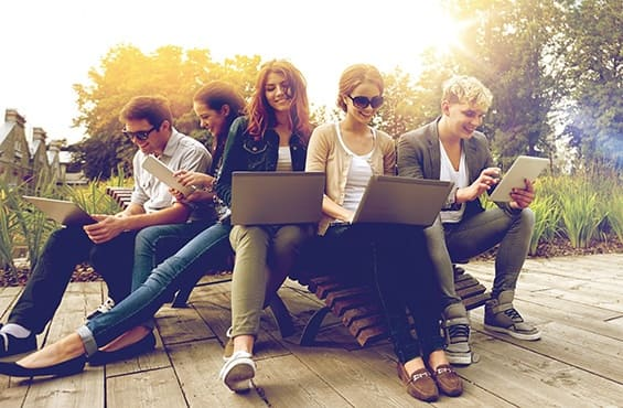 Le WiFi aux heures de pointe en résidence étudiante